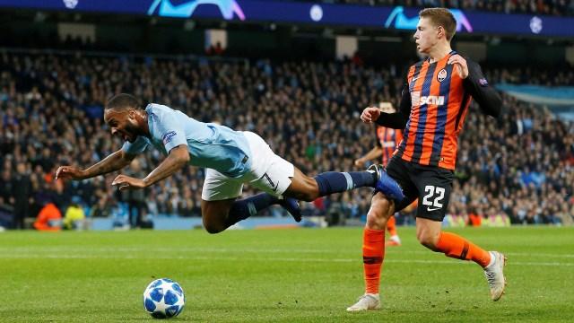 El inglés ya pateó el césped y vuela: su rival no lo tocó (Reuters)