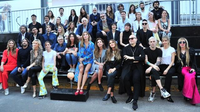 Micaela Tinelli posó junto a otros diseñadores como Benito Fernández, Dolores Barreiro, María Cher, Guillermina Valdés, quienes también presentaron sus respectivas colecciones (Teleshow)