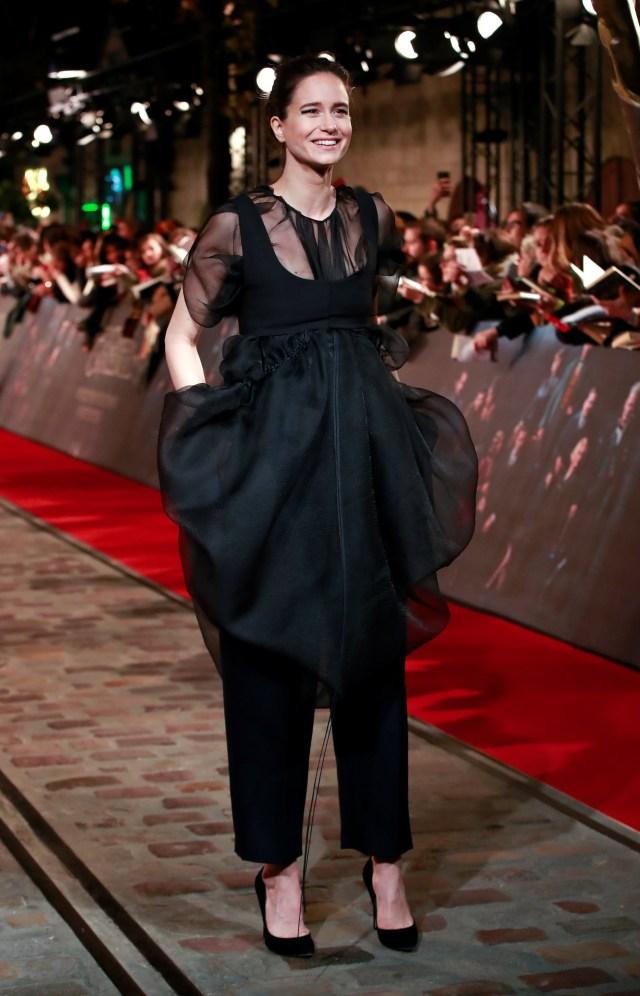 Katherine Waterston y el look más elegante de la noche