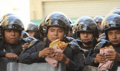 Ni la preparación ni las condiciones laborales de los policías han mejorado en México.