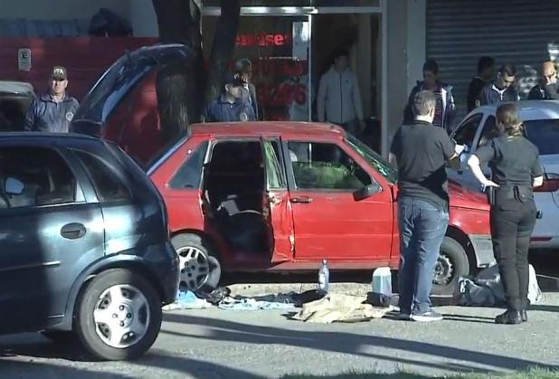El Fiat Duna en el que fue trasladada Xiomara, ya muerta.