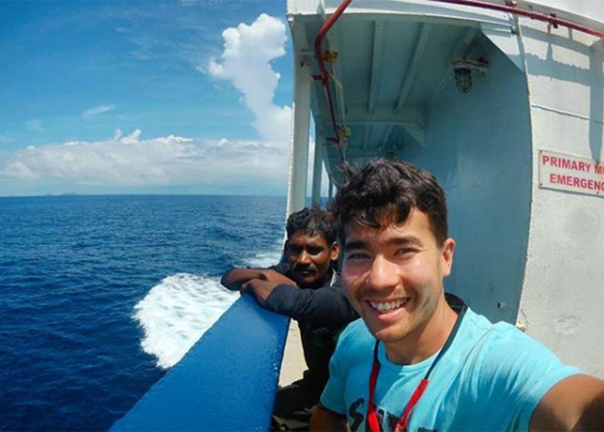 John Allen Chau y la última imagen que se registró camino a la isla North Sentinel, en la Bahía de Bengala, India
