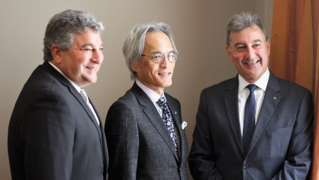 Steve St Angelo, CEO de Toyota Motor Corporation para América Latina; Yoshihiro Sawa, presidente de Lexus Internacional; y Daniel Herrero, presidente de Toyota Argentina