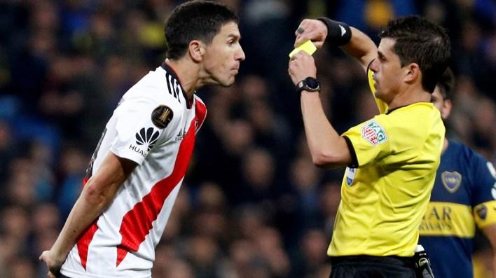 Ignacio Fernández también vio la amarilla, en su caso por protestar