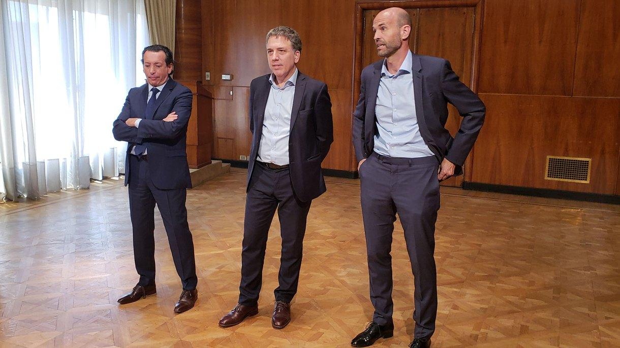 Dante Sica, Nicolás Dujovne y Guillermo Dietrich, este mediodía en Hacienda