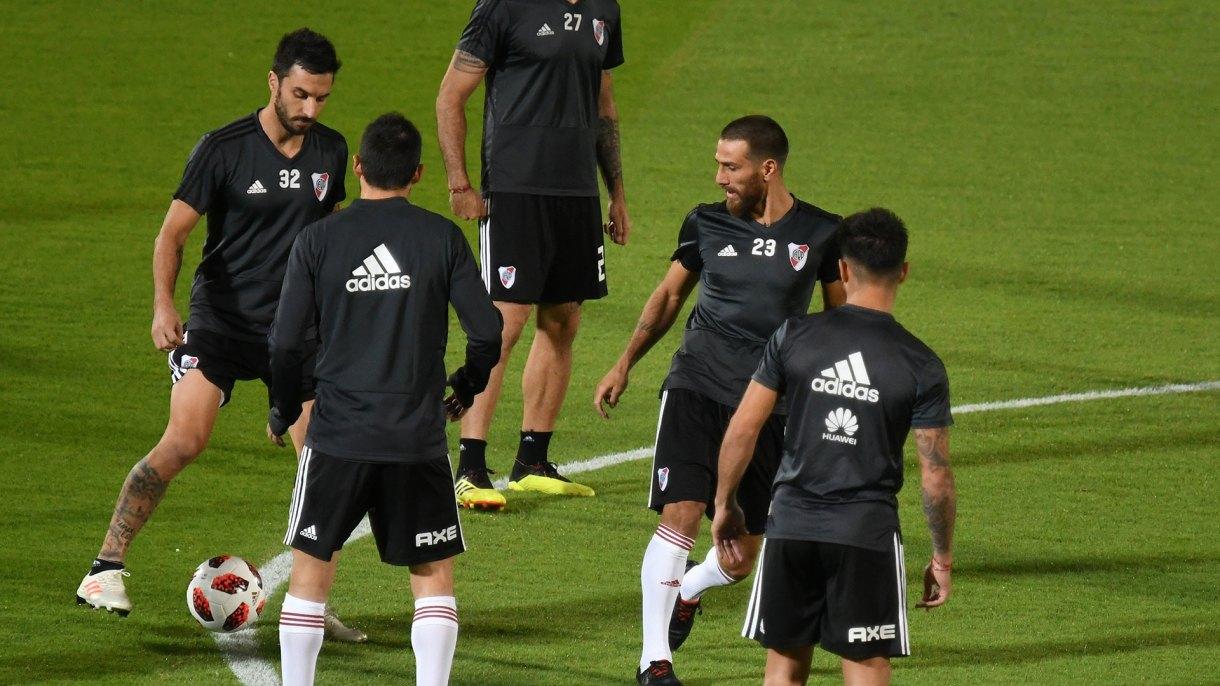 Los jugadores trabajaron en el campo de entrenamiento de Al Ain (Fotobaires)