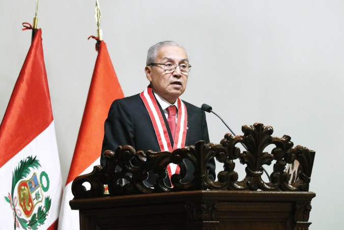 Pedro Gonzalo Chavarry Vallejos durante la ceremonia de juramentación como Fiscal de Perú para el periodo 2018 – 2021 (Flickr/Ministerio Público – Fiscalía de la Nación)