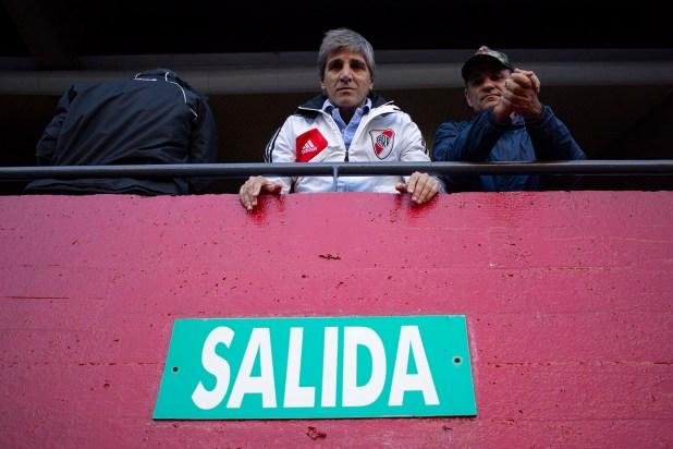 El presidente del Banco Central Luis Caputo en el Estadio Monumental (Manuel Cortina)