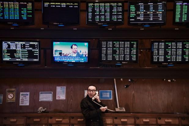 Mañana agitada en la Bolsa de Comercio cuando la cotización del dólar llegó a 40 pesos (Guille Llamos)