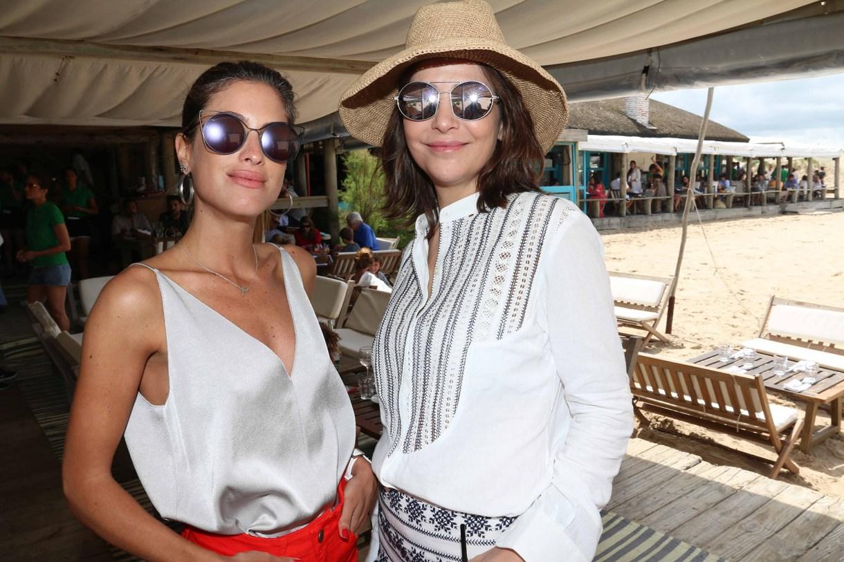 Agustina Casanova y Sandra Hillar ambas con espejados cat eye