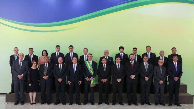 Bolsonaro con sus ministros (AFP)