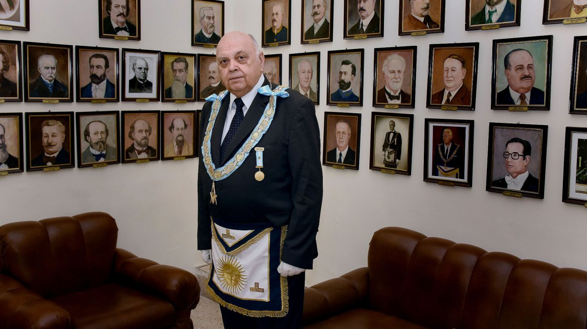 El Gran Maestre de la Masoneria Argentina,Angel Jorge Clavero.