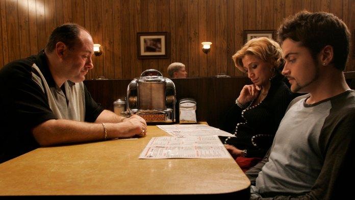 James Gandolfini (Tony Soprano),Edie Falco (Carmela) yRobert Iler (Anthony Jr.)