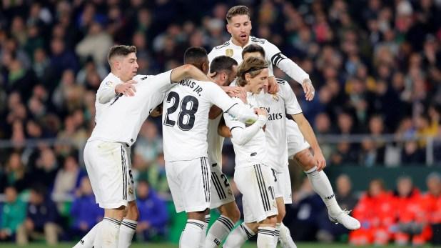 El Real Madrid se aferró al triunfo como visitante: ganó por primera vez en liga española en 2019 (REUTERS/Marcelo Del Pozo)