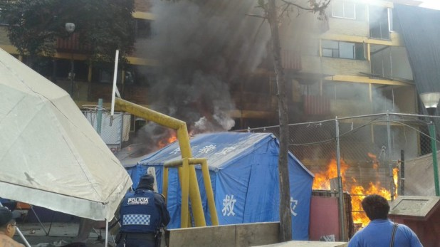 Este domingo el Multifamiliar Tlalpan se incendió. No hubo víctimas mortales.