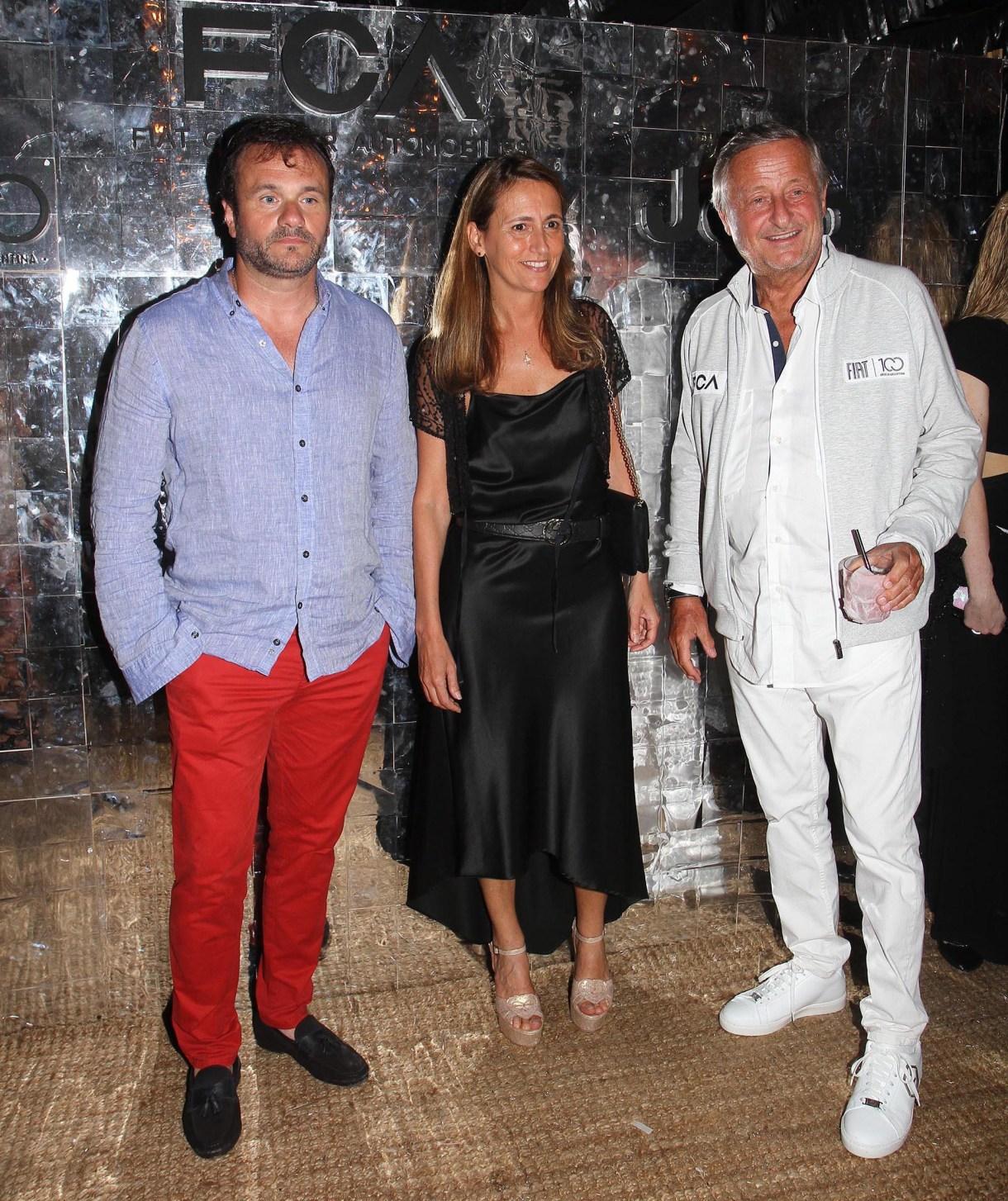 Juan Pablo Maglier, director de Relaciones Institucionales de La Rural, y su mujer Magdalena junto a Cristiano Rattazzi