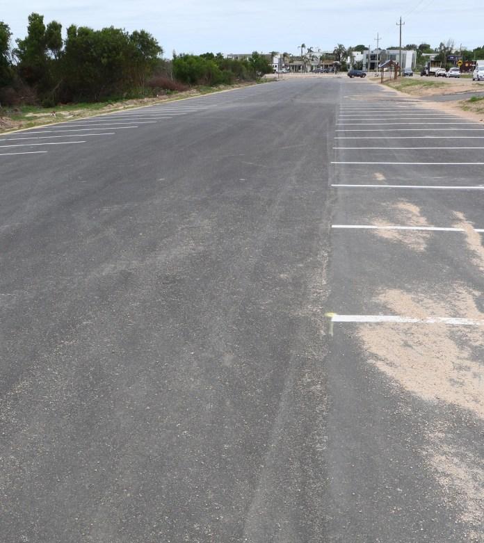 El estacionamiento se terminó de pavimentar en diciembre tras dos meses de obra. Según Pablo Machado, integrante de la Liga de Fomento, la construcción atraviesa su primera etapa (Fotos Matías Souto)