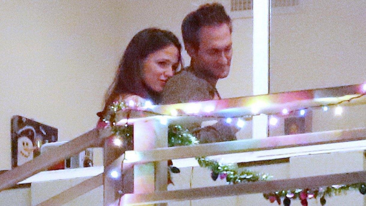 Jennifer Garner muy cariñosa con su novio John Miller (Grosby Group)