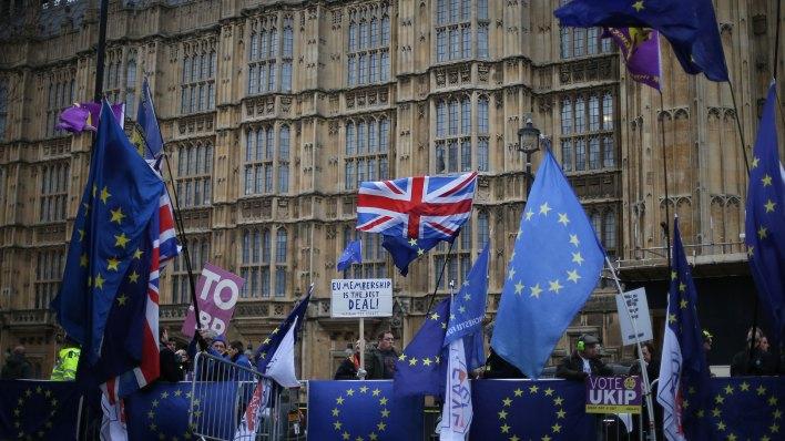 Manifestantes contra el Brexit (AFP)