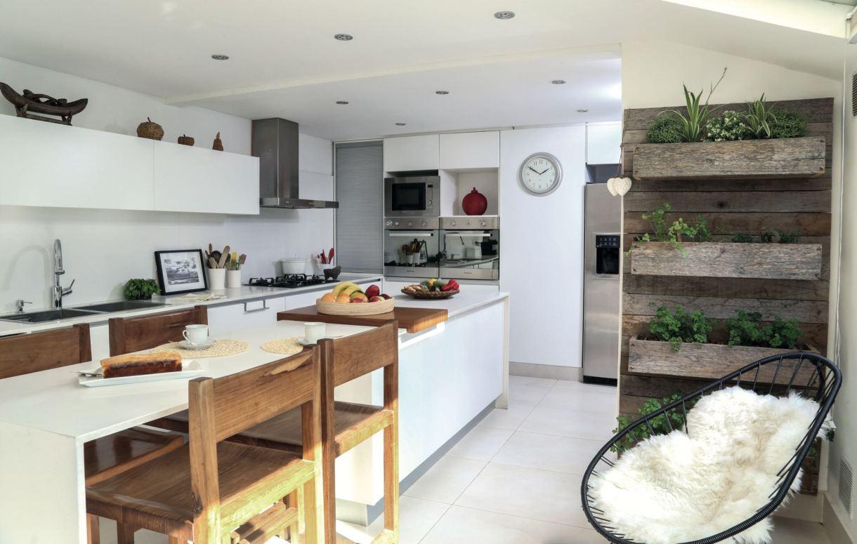La cocina con su huerta urbana