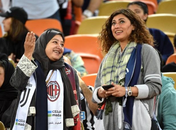 Las mujeres debieron ubicarse en una tribuna especial (Fayez Nureldine / AFP)