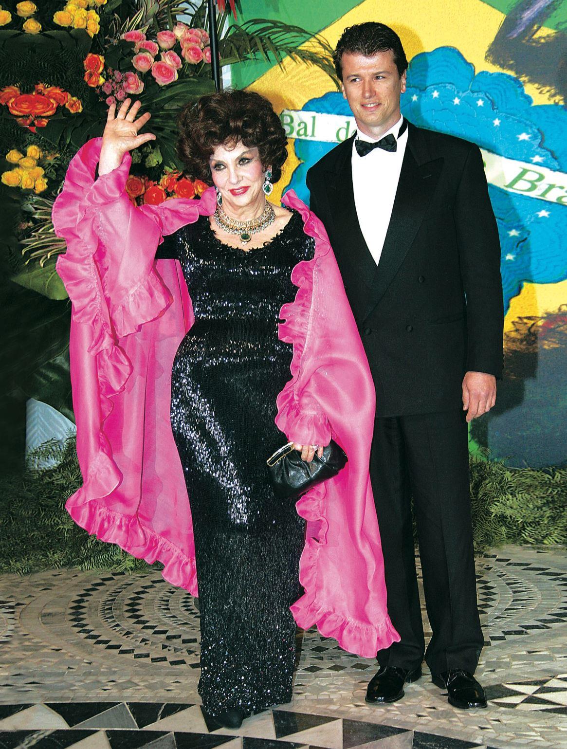 Trece años atrás, Gina se mostraba feliz, a sus 78 años, junto a Jaime, quien entonces tenía 44.