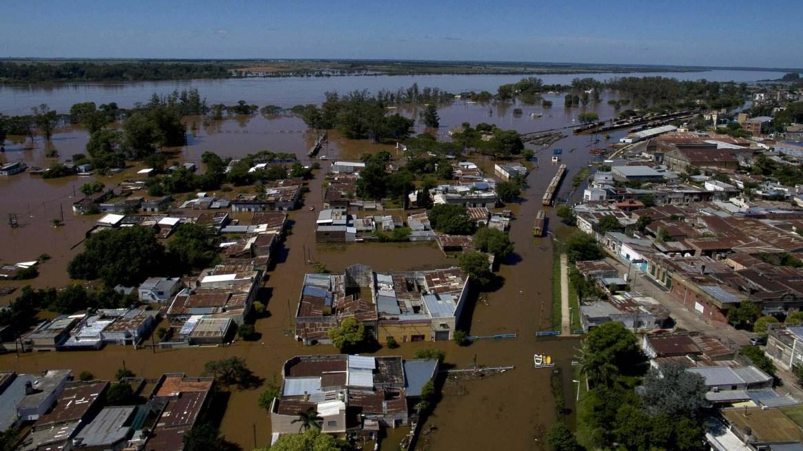 Ciudades y pueblos bajo el agua, unaimagen que se repite, debido a la falta de planificación. Foto: Fernando Calzada/DEF.