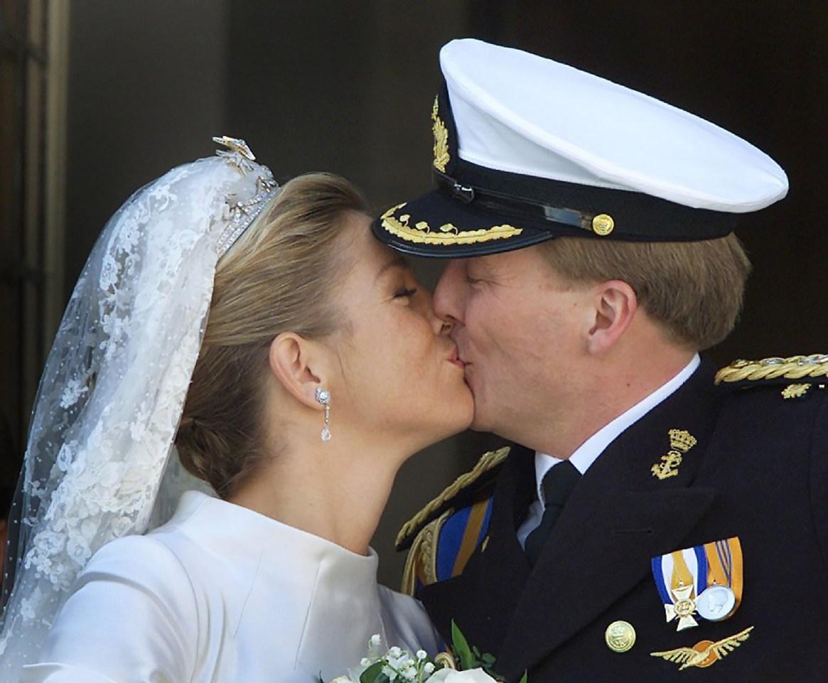 Besos en el balcón, fuera del protocolo(Reuters)