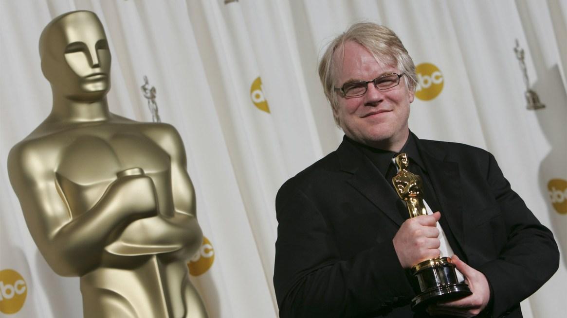 """En 2006, con el Oscarcomo Mejor Actor por su papel en""""Capote""""en el Kodak Theaterde Hollywood(Michael Goulding/Orange County Register/KRT)"""