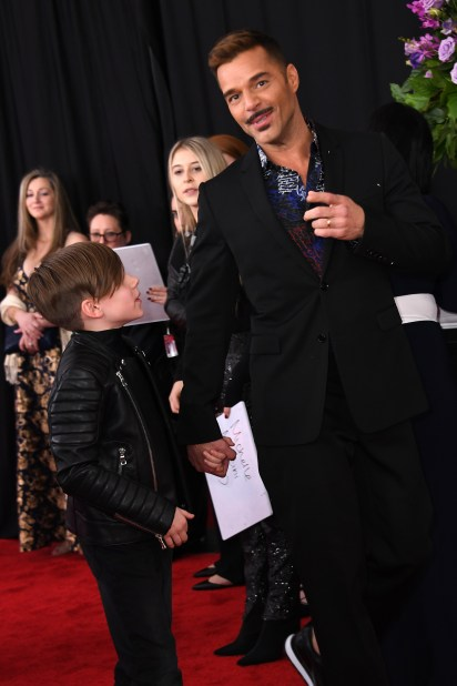 Ricky Martin con su hijo Matteo (Photo by VALERIE MACON / AFP)