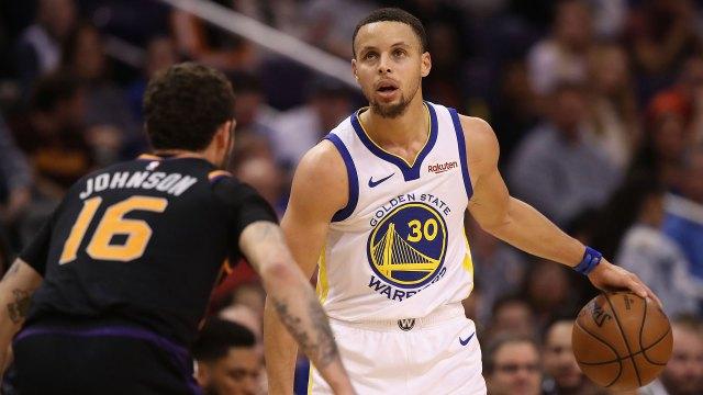 Stephen Curry, USD 79,5 millones (USD 37,5 millones de salario y USD 42 millones por patrocinios)