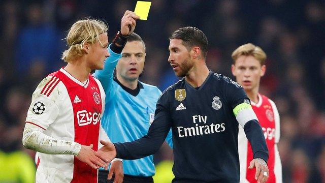 Sergio Ramos afronta una posible sanción por forzar una tarjeta amarilla ante el Ajax (Reuters)
