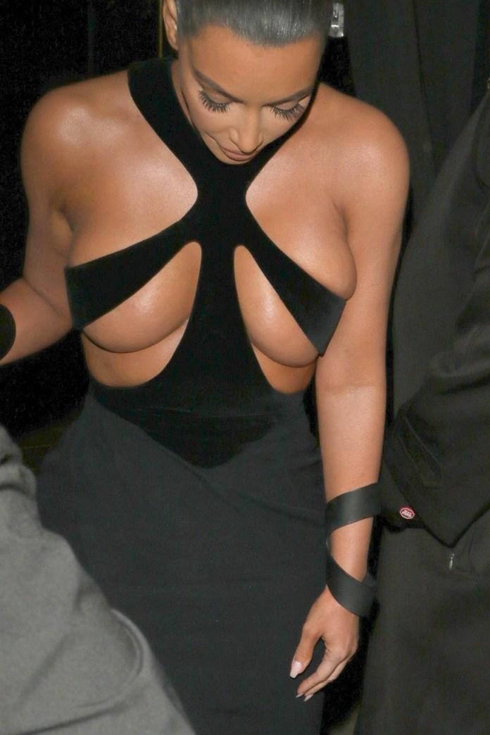 El modelito más salvaje de Kim Kardashian es el del diseñador Thierry Mugler (Grosby)