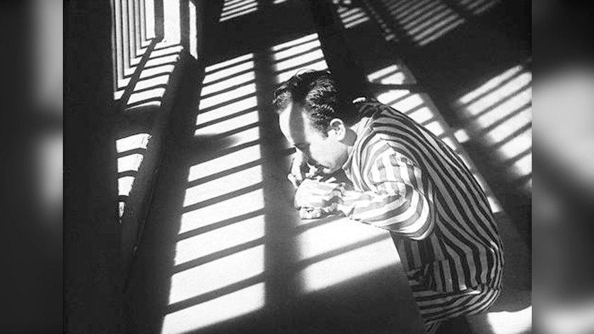 El personaje de Pedro Infante planeó escaparse, pero de último momento se arrepintió. Su cómplice sí escapó, pero murió (Foto: Archivo Gabriel Figueroa)