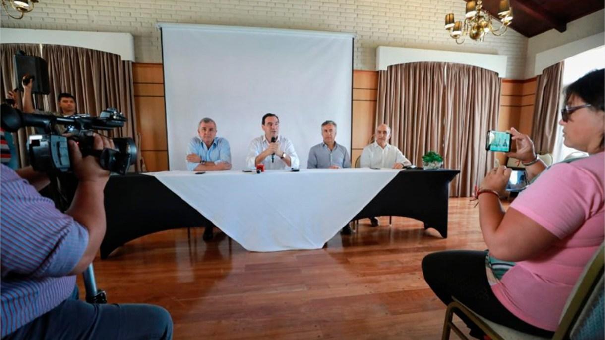 Los principales dirigentes del radicalismo se reunieron en la provincia de Corrientes