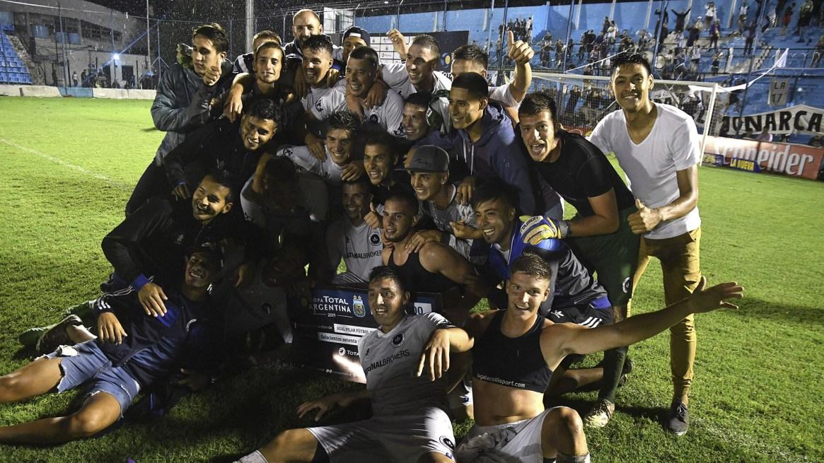 Real Pilar, que milita en la Primera D, dio el batacazo de la Copa Argentina al eliminar a Vélez Sarsfield en los 32avos (Télam)