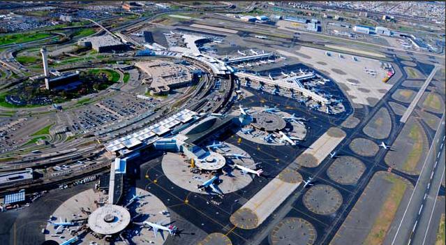 El aeropuerto anunció que todas sus pistas estaban cerradas por una emergencia, aunque retomó su actividad al cabo de una hora (Foto: Twitter)