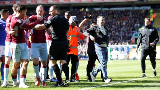 El jugador pudo recomponerse y el violento fue arrestado