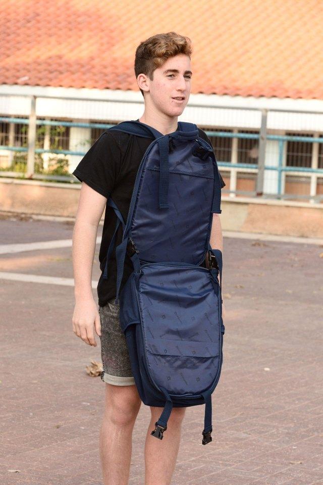Las mochilas vienen en modelos con uno o dos panales de kevlar