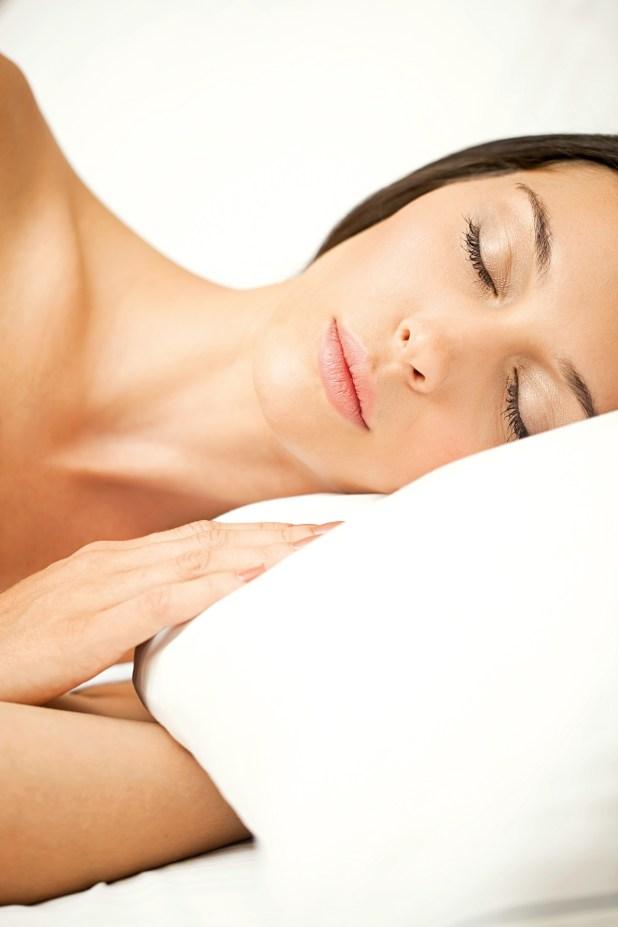 La acción de los productos de belleza se potencian mientras dormís.