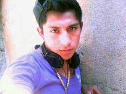 Peritos argentinos les revelaron que algunos restos hallados en el basurero de Cocula, Guerrero, pertenecen a Alexander Mora Venancio,de 19 años Foto: (Especial)