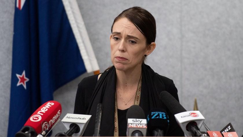 La primera ministra de Nueva Zelanda, Jacinda Ardern, en una conferencia de prensa luego del atentado terrorista. (AFP)