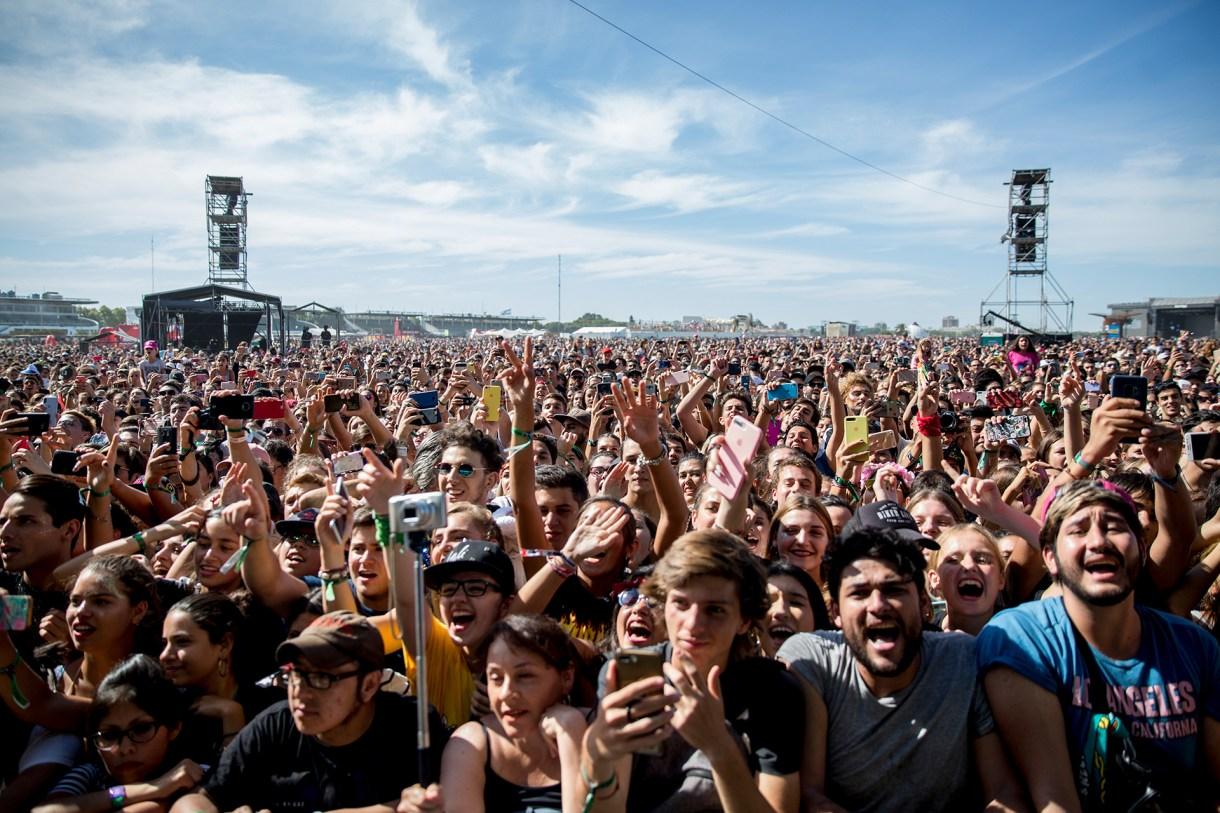 Una multitud de jóvenes disfrutó de la tercera jornada del festival (Chule Valerga)