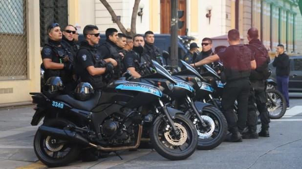 Operativo de seguridad para el traslado de Samid (Matías Baglietto)