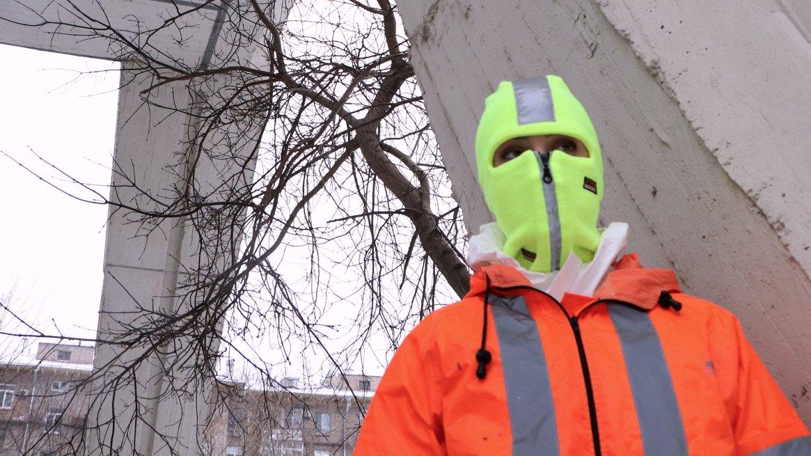 Nadya Tolokonnikova con la máscara que ya es un símbolo de las Pussy Riot