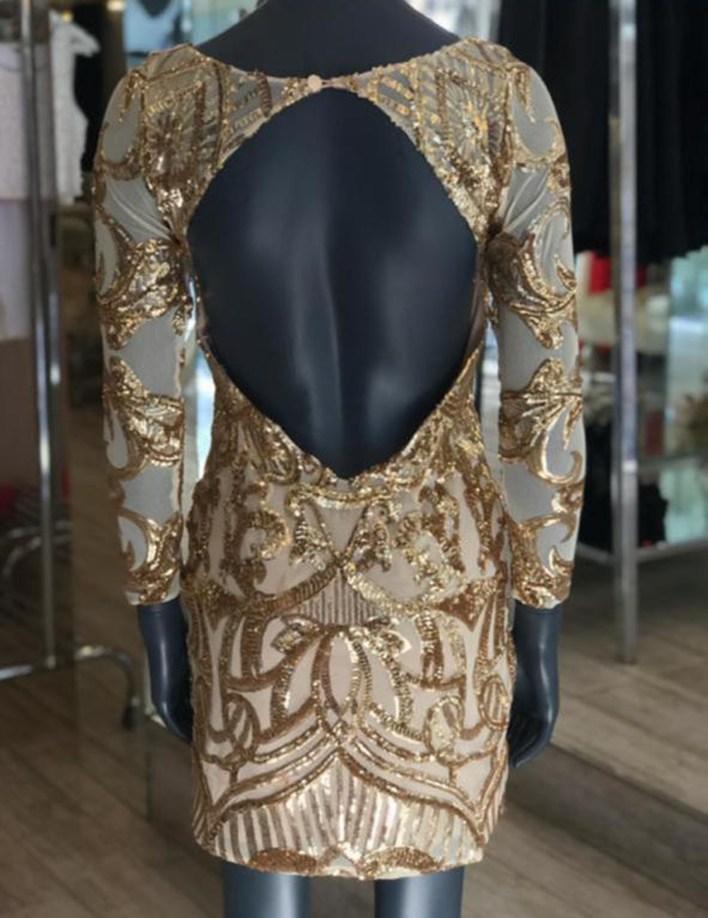 Vestido de día y noche, ideal para cualquier ocasión, hecho de tul y pailletes bordado íntegramente con piedras y pailletes en tonos dorados