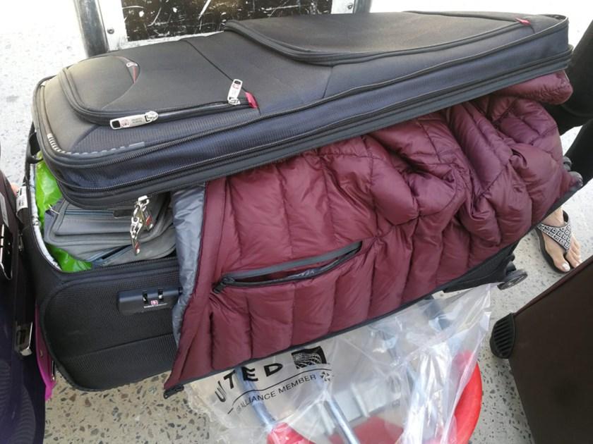 Algunas valijas aparecieron abiertas y revueltas en la cinta