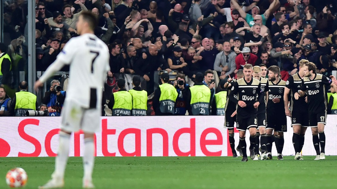 El equipo de Erik Ten Hag vale la mitad de lo que pagó Juventus por Cristiano Ronaldo (REUTERS/Massimo Pinca)