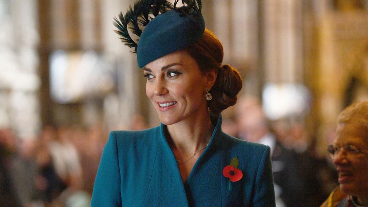 Isabel II concedió a la duquesa de Cambridge una importante distinción con motivo de su octavo aniversario de boda