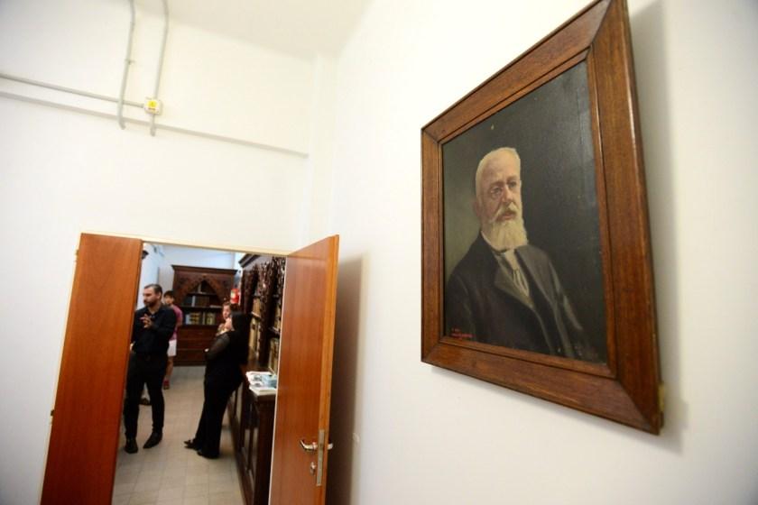 Cuadro de Pedro Narciso Arata, fundador de la biblioteca
